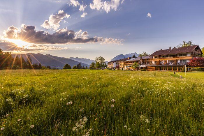 Hotel Alpenhof, Berchtesgden, Ansicht im Sonnenuntergang